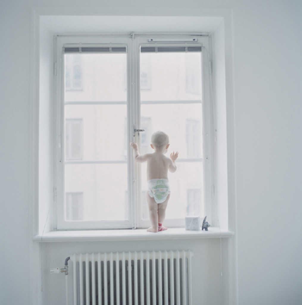 Anna Clarén - Pojke i fönster